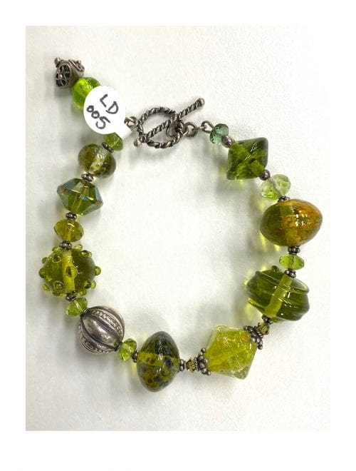 handmade glass bead bracelet by Liz DeLuca